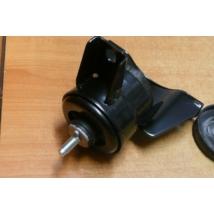 motortartó gumibak Swift 2005-, hidrobak 11610-62J00 , 11610-62J01, (jobb oldalon), gyári