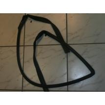 gumikéder ablakfilc-ablak vezető gumi kéder első jobb Swift 2003-ig 4-5a.    83661-70C02